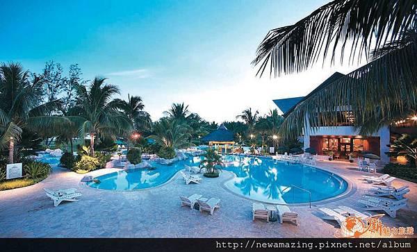 Nexus Resort (2)