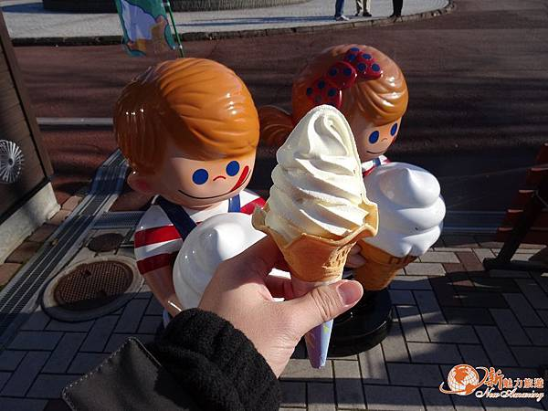 女子修道院外冰淇淋.jpg