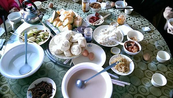蒙古包早餐.jpg