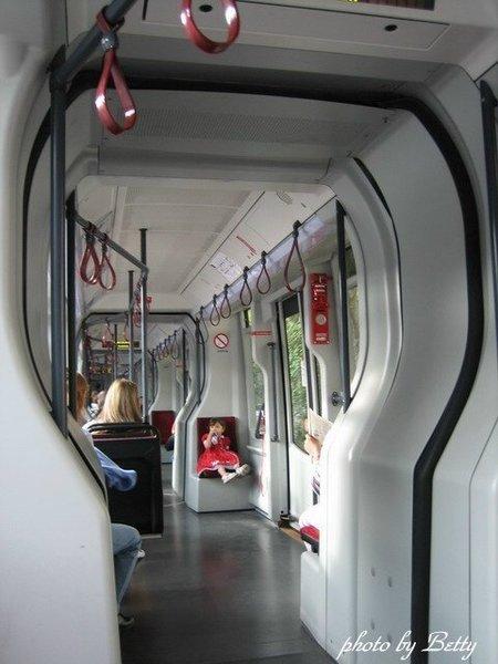 市電2.J