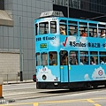 香港電車會叮叮叮的叫~很可愛