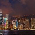 在九龍欣賞港島的夜景