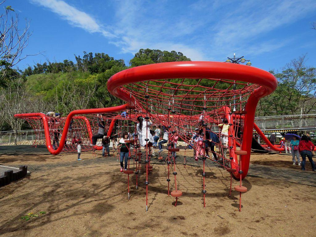 1665台中市清水區鰲峰山公園競合體驗遊戲場