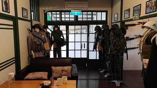 1090屏東縣屏東市麗貞館軍事主題餐廳