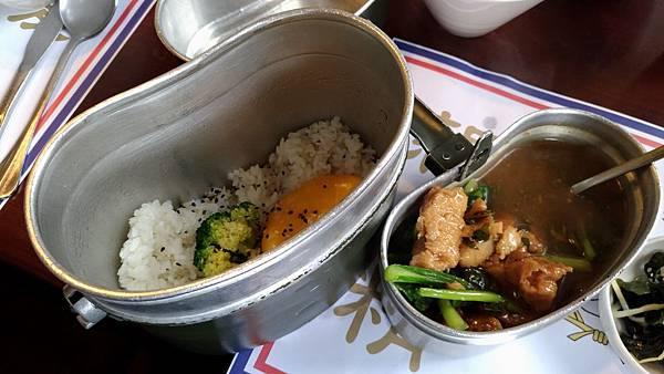 1104屏東縣屏東市麗貞館軍事主題餐廳