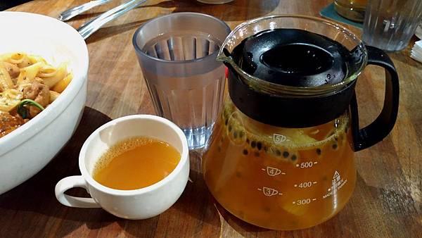 2358台中市西區hecho做咖啡
