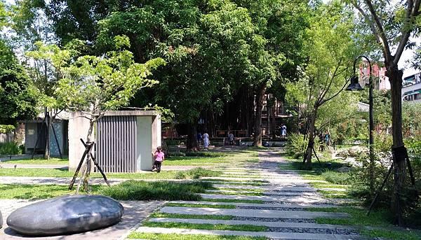 2426台中市西區台中文學公園