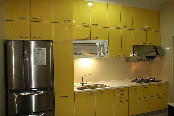 新屋廚具-一字型018.jpg
