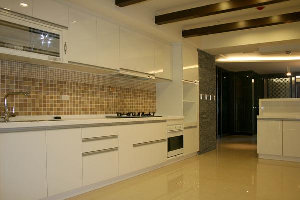 新屋廚具-一字型005.jpg