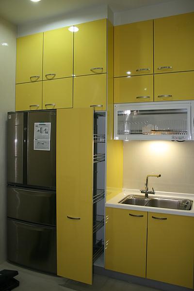 新屋廚具-一字型019.jpg