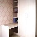新屋系統書櫃書桌005.JPG