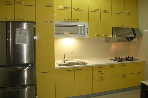 新屋廚具-一字型017.jpg