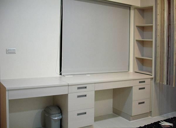 新屋系統書櫃書桌027.JPG