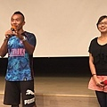 (左)《足夢邊境》被攝者哲銘老師(右)《足夢邊境》導演何婷婷