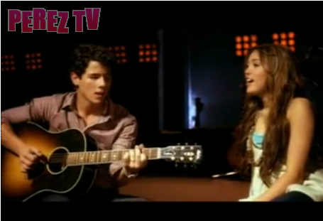 miley cyrus & nick jonas.png