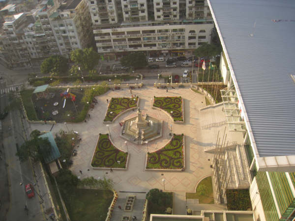皇都酒店房內鳥瞰下方公園.JPG