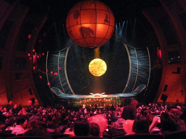 太陽劇團舞台