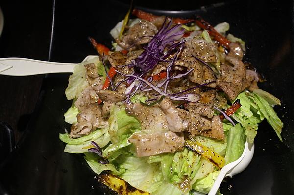 松板燒肉沙拉$200.jpg