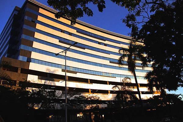 2Quad_Building.jpg