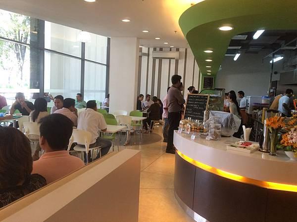 2Quad_Cafeteria2.JPG