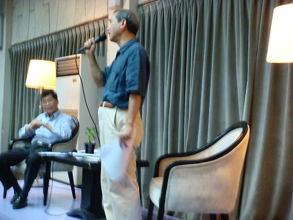 遠流出版董事長王榮文先生