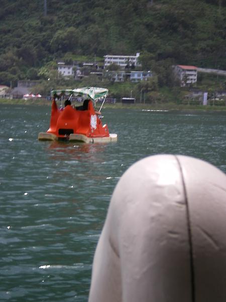 鯉魚潭碰碰船—攻擊目標鎖定