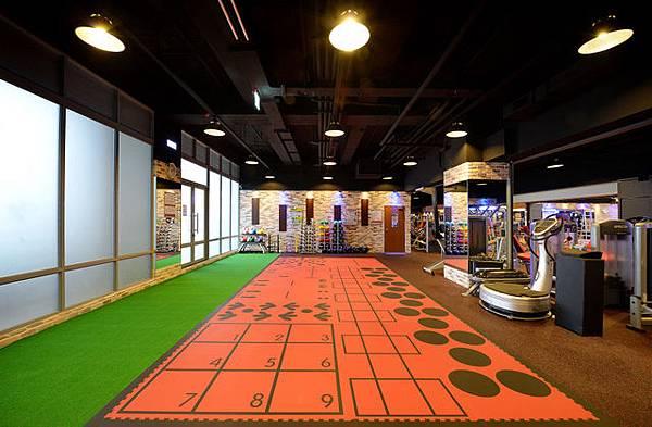豐原健身工廠多功能訓練區