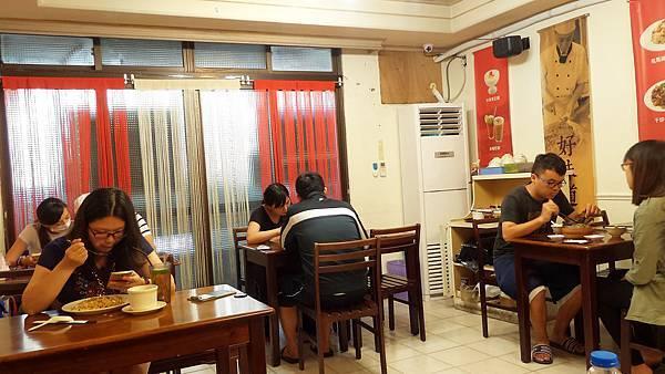 鑫旺角港式茶餐廳店內環境