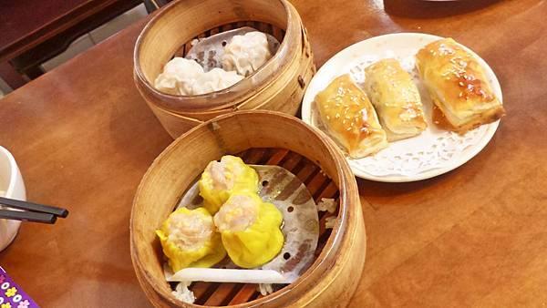蟹黃蒸燒賣+蝦仁蒸燒賣+皮蛋炸蝦桶