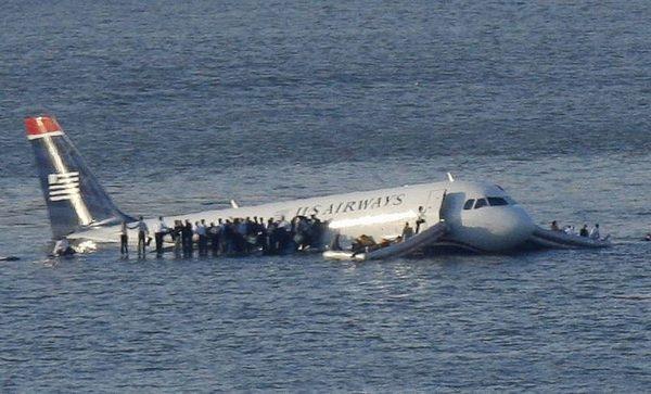 薩利機長成功水上迫降