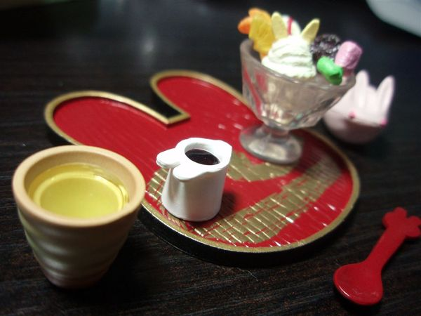 小兔子冰淇淋