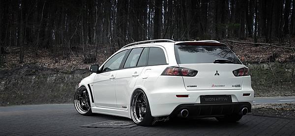 iacoski_mitsubishi_evo_X_wagon_rear_1200px