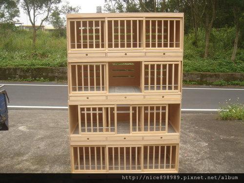 種鴿配對巢箱(一公配兩母)範例(也可以當整組4尺寬之配對箱)