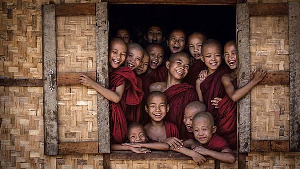 monastery-children-burma