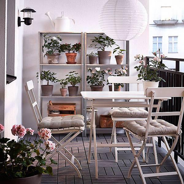 adaymag-8-stylish-balcony-updates-that-start-at-ikea-06