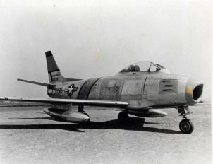 f86-sabre-1_tn