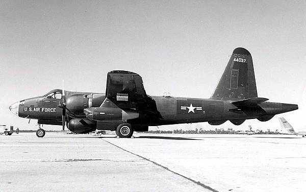 800px-Lockheed_RB-69A_Neptune_061122-F-1234P-007