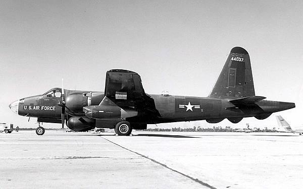 800px-Lockheed_RB-69A_Neptune_061122-F-1234P-007 (1)
