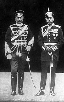 220px-Bundesarchiv_Bild_183-R43302,_Kaiser_Wilhelm_II._und_Zar_Nikolaus_II.
