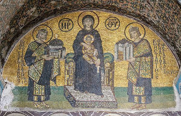 800px-Hagia_Sophia_Southwestern_entrance_mosaics_2