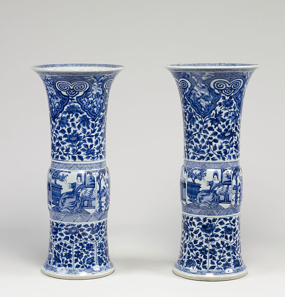 575px-Chinese_-_Pair_of_Vases_with_European_Women_-_Walters_491913,_491914