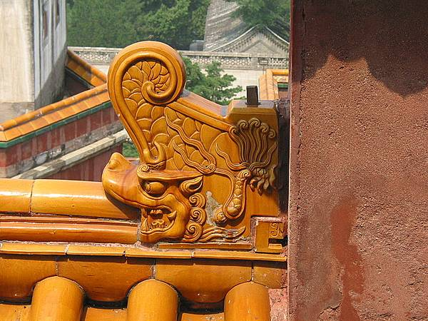 800px-Wenshou_on_the_wall_in_Summer_Palace