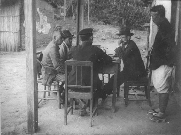 15 圖十五 田野中的移川子之藏 1930年代