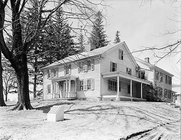 780px-Arrowhead_farmhouse_Herman_Melville