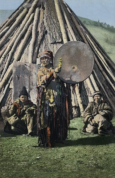 390px-SB_-_Altay_shaman_with_drum