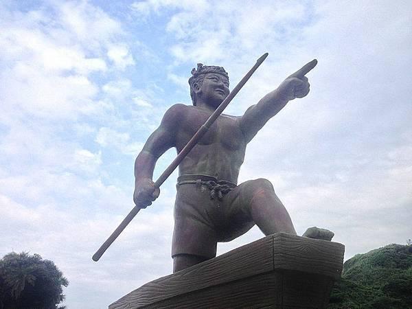 琉球漁民慰靈碑銅像