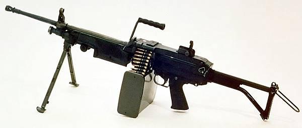 800px-M249_FN_MINIMI_DA-SC-85-11586_c1