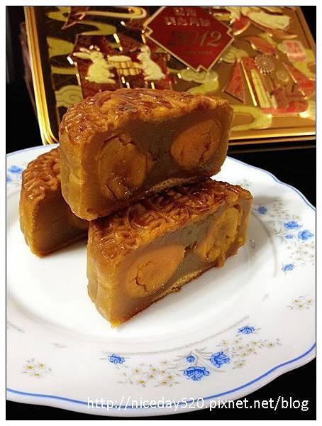 香港美心雙黃白蓮蓉月餅