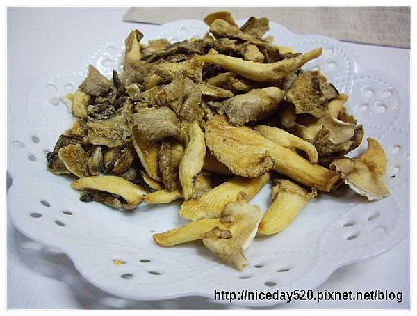 冬山農會菇菇茶米館