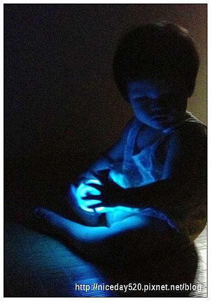 Giimmo魔幻七彩玩伴拍擊夜燈